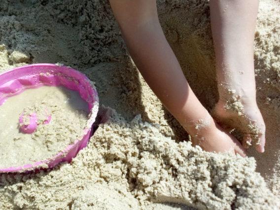 mit sand und wasser spielen tagesm tter steiermark. Black Bedroom Furniture Sets. Home Design Ideas